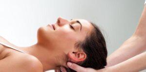 Ostéopathe prise en charge de problèmes de mâchoire